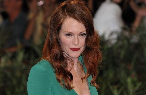 Julianne Moore cast in Carrie remake
