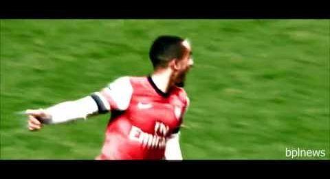 Premier League - Arsenal host champions Utd